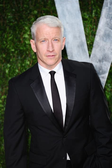 42 interesting facts about Anderson Cooper: photographed