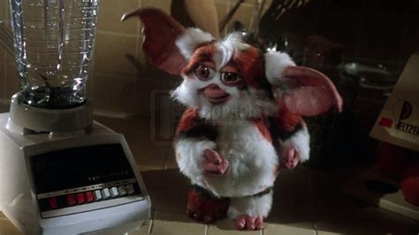 Daffy's Feet - Gremlins 2: The New Batch (1990) at