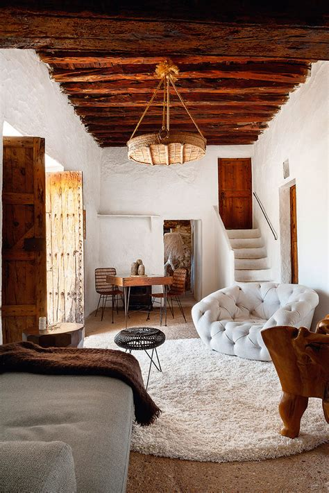 The New York experience in a historical Ibizan house