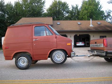 Craigslist Find: Shorty Van Trailer Will Make You Look At