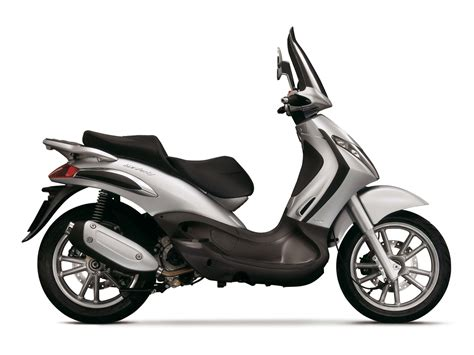 PIAGGIO Scooter pictures