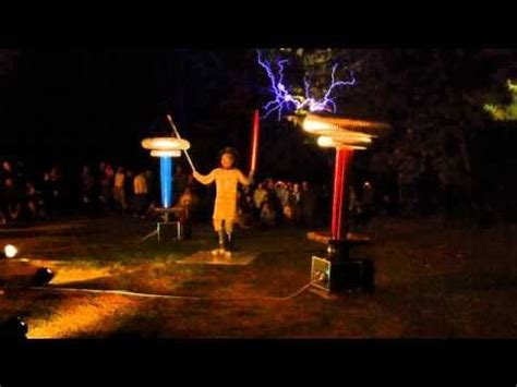 Tesla Coils – The Imperial March