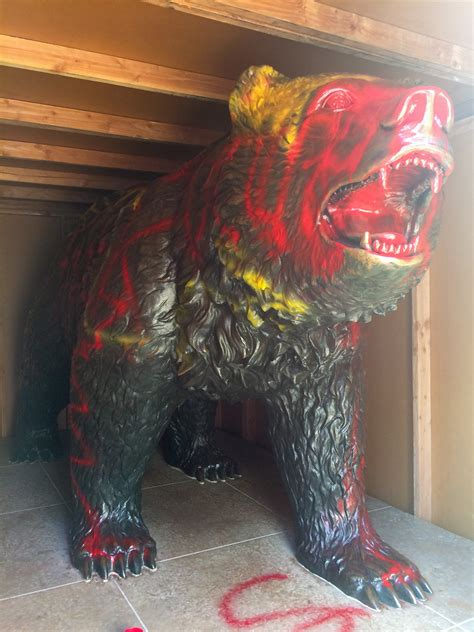 UCPD investigates vandalism after Bruin Bear found painted